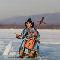 Лудуб Очиров - певец и композитор.