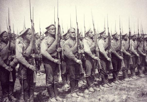 Генерал П.Н. Краснов «В Императорской армии была глубокая вера друг в друга. Твёрдо знали: «Нога ногу подкрепляет, рука руку усиляет» все одни, Царёвы. Наверху Император, под ним генералы, потом