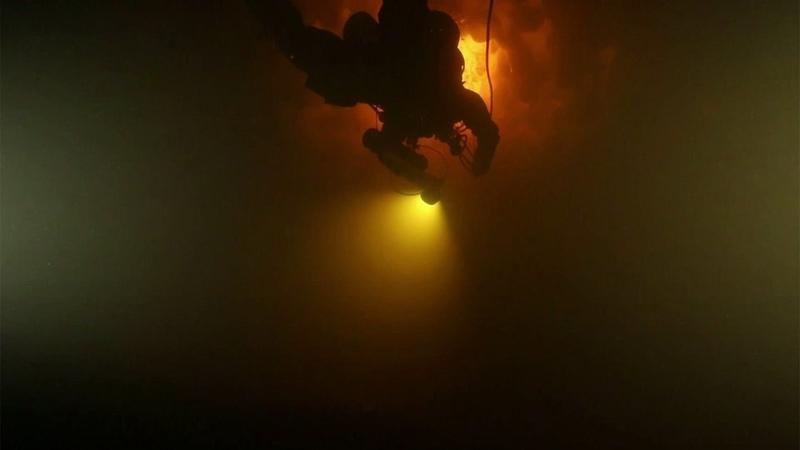 Дайверы спускаются надно Рыбинского водохранилища впоисках следов русской Атлантиды