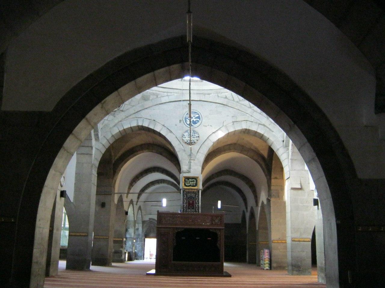 В старинной мечети Турции