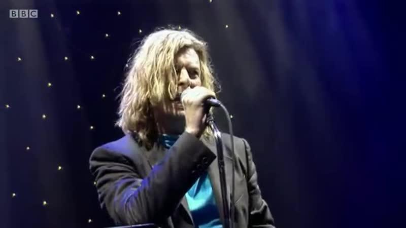 DAVID BOWIE Starman Glastonbury 2000