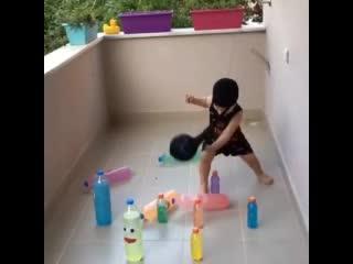 Развлечение для деток. Поиграй с ними!