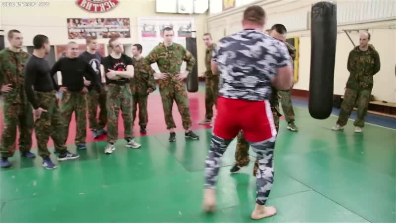 Бой уличный боец против 9 бойцов спецназа угар/красивая/прикол/ахаха не секс,порно,сосет,минет,вписка, мжм,жмж