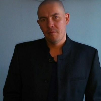 Анатолий, 40, Gay