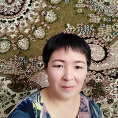 Makhira, 49, Bishkek