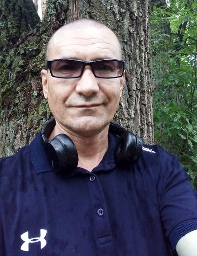 Роман Валиахметов