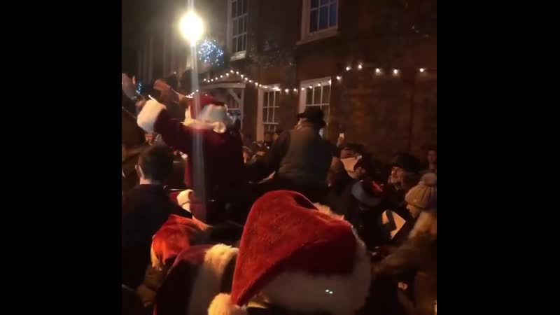 R Father Christmas had some very special helpers to get him to his grotto on Christmas Eve in Watlington