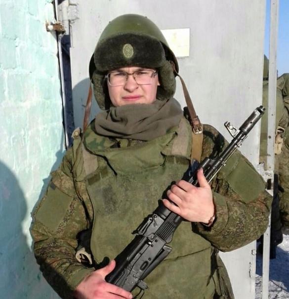 Сбежавший из военной части в Забайкалье солдат заявил о «дедовщине» Солдат-срочник Артур Хакимов назвал причину своего побега из воинской части в Забайкалье. Судя по сообщению «URARU» и данным