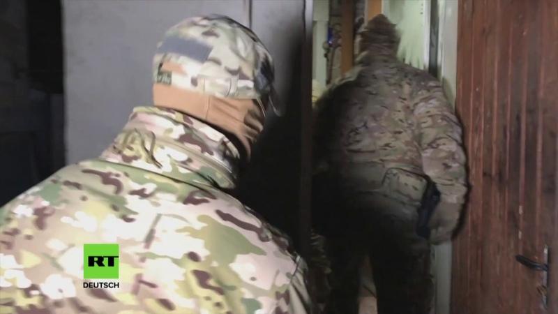 Schulmassaker im Stil von Columbine auf der Krim vereitelt zwei Teenager als Verdächtige verhaftet